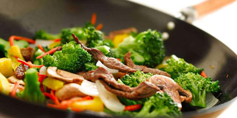 Pieczona wołowina z z parowymi warzywami